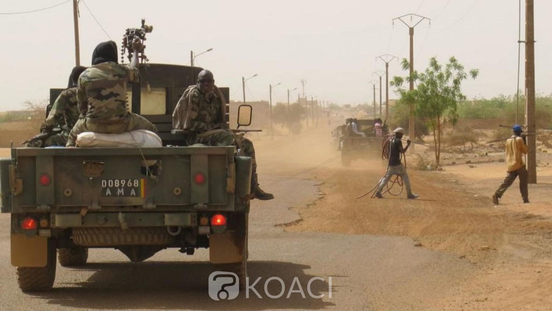 Mali: Deux femmes en charrettes et deux soldats tués  par des mines dans le centre