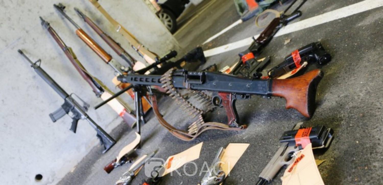 Afrique du Sud:12 soldats arrêtés pour un vol d'armes dans une base militaire
