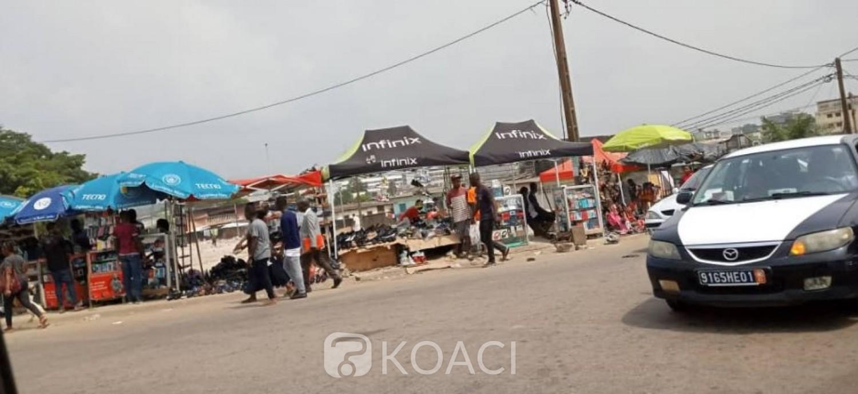 Côte d'Ivoire :  Yopougon, des commerçants déguerpis envahissent le trottoir pour mener leurs activités