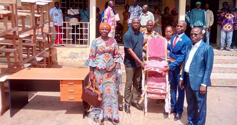 Côte d'Ivoire: Réceptionnant des table-bancs et du matériel bureautique, l'IEP de Diabo remercie sa municipalité