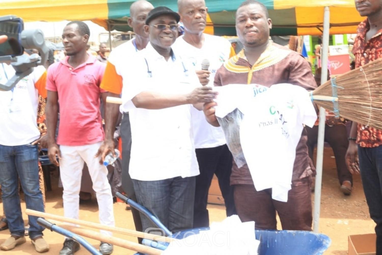 Côte d'Ivoire : Le Japon finance un concours du quartier le plus propre dans la commune de Yopougon et dote les comités conjoints de gestion de matériel d'assainissement