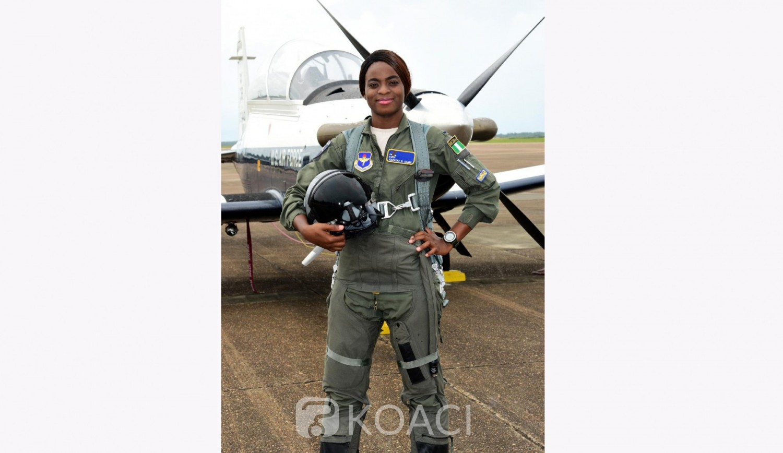 Nigeria : Kafayat Sanni devient la première femme pilote de chasse