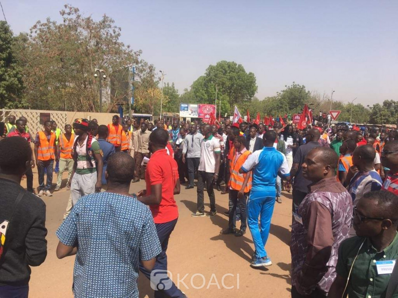 Burkina Faso : Des fonctionnaires manifestent contre l'élargissement de l'impôt sur leurs indemnités et primes