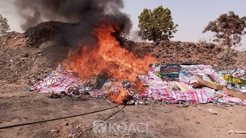 Burkina Faso : Incinération des contrefaçons des pagnes  de la fête de la femme