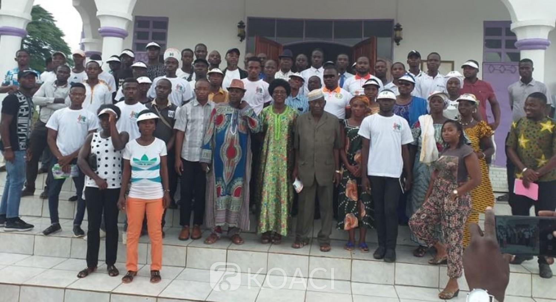 Côte d'Ivoire : À Bouaflé, une organisation de la société civile offre 200 CNI aux populations