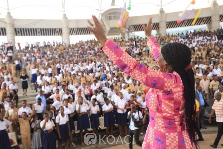 Côte d'Ivoire:  MASA « jeune public », la ministre Kandia Camara communie avec des milliers d'élèves