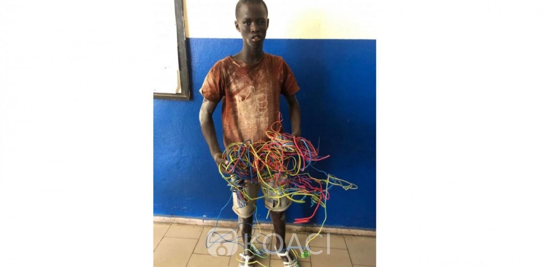 Côte d'Ivoire : À Abobo, un élève interpellé alors qu'il tentait de voler des fils de courant