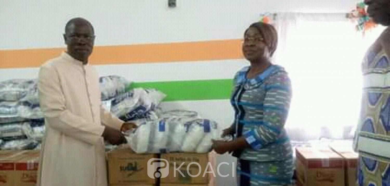 Côte d'Ivoire : Bouaké, remettant des dons pour le Carême des chrétiens,  le maire, « Que chaque grain de riz arrive à la base »
