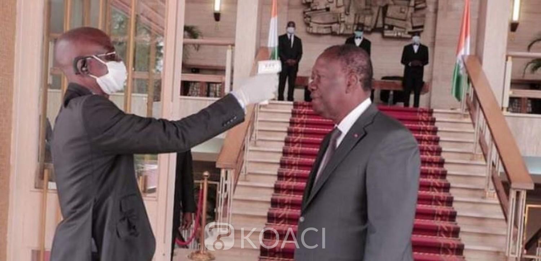 Côte d'Ivoire : Coronavirus, Alassane Ouattara donne l'exemple au palais présidentiel : « Je me protège et je protège les autres »