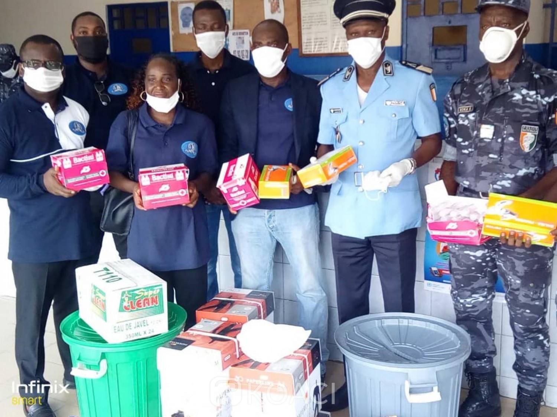 Côte d'Ivoire: Lutte contre le COVID-19, une école offre du matériel d'hygiène au commissariat de police du 34ème arrondissement
