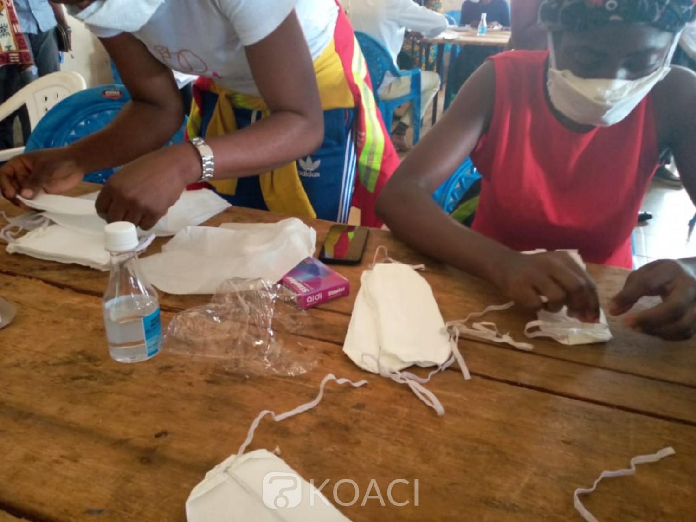 Cameroun : Covid-19, face à la demande croissante, des jeunes formés à la fabrication des masques hygiéniques de protection