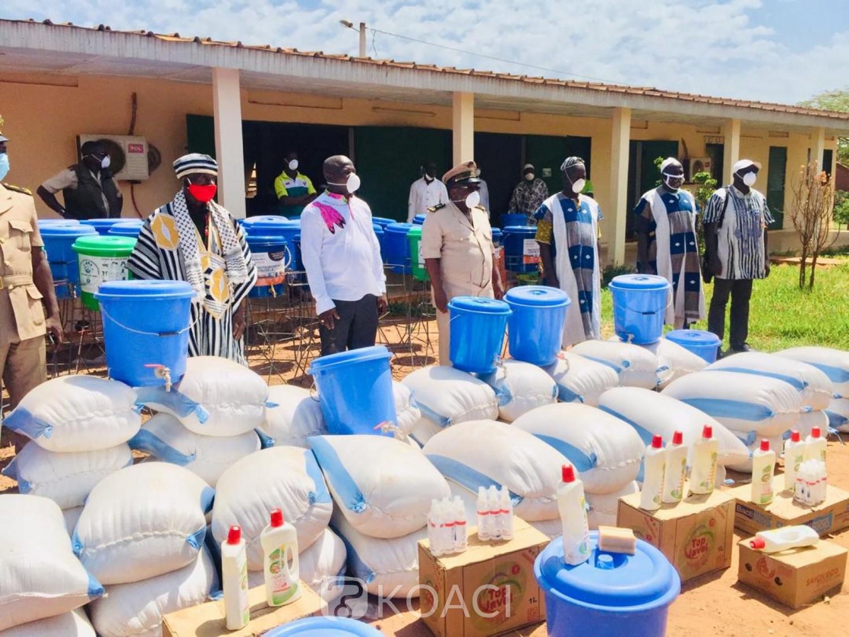 Côte d'Ivoire : Dianra, pour lutter contre le COVID-19 « ennemi du coton et de l'anacarde, »  des kits offerts à la population