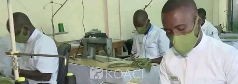 Côte d'Ivoire : Fabrication de masques alternatifs contre le Coronavirus, les machines à coudre de l'armée tournent à plein régime