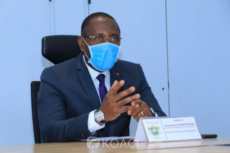 Côte d'Ivoire : Coronavirus, le pays peut produire plus de 8 millions de masques alternatifs par mois, collaboration avec les artisans