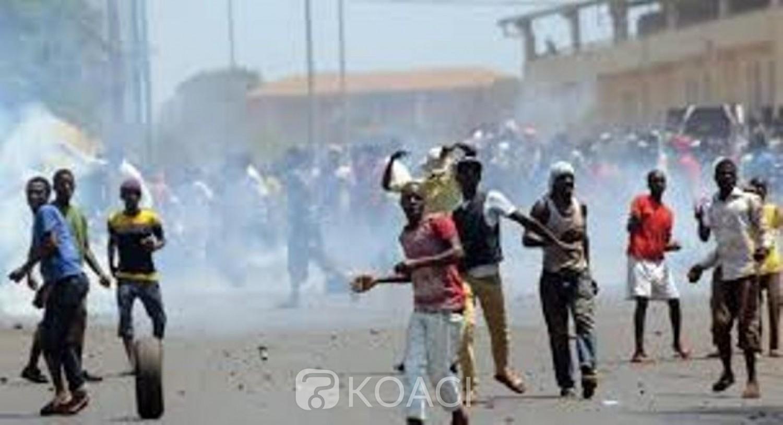 Guinée : Malgré l'interdiction, des fidèles musulmans rouvrent des mosquées de force