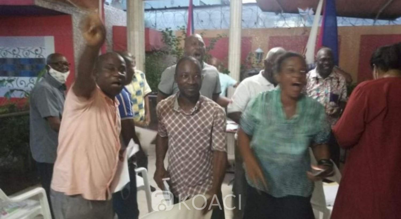 Côte d'Ivoire : Liberté d'aller et venir de Gbagbo et Blé, scène de joie de leurs partisans chez feu Sangaré