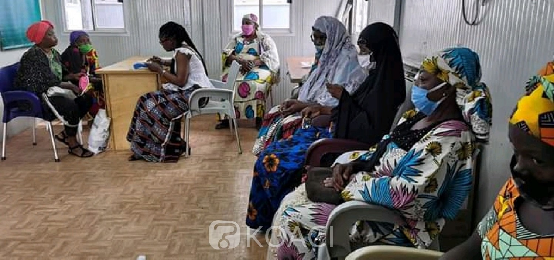 Côte d'Ivoire : Bouaké, pour l'enrôlement des personnes défavorisées, des timbres offerts par une ONG
