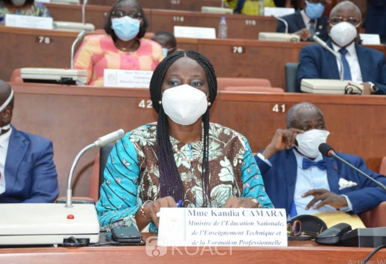 Côte d'Ivoire : Les enseignements via la télévision vont s'étendre dès lundi aux élèves des classes de 4è  et de 1ère, ce que Ahoussou demande aux acteurs du système