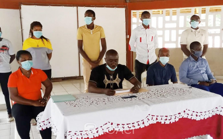Côte d'Ivoire : Plateau, à peine le processus d'inscription sur la liste électorale démarré, des jeunes récusent le Président de la CEI locale 2 et se réserve le droit de porter plainte contre lui