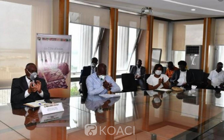Côte d'Ivoire: Café-cacao,  une étude du Conseil met fin au désaccord entre les exportateurs ivoiriens et les multinationales sur le prix loco magasin