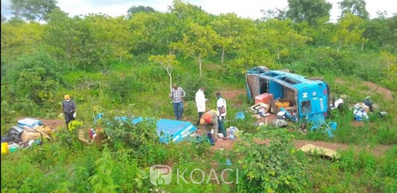 Côte d'Ivoire : Un minicar finit sa course dans un ravin et fait des victimes, un incendie déclaré dans un quartier