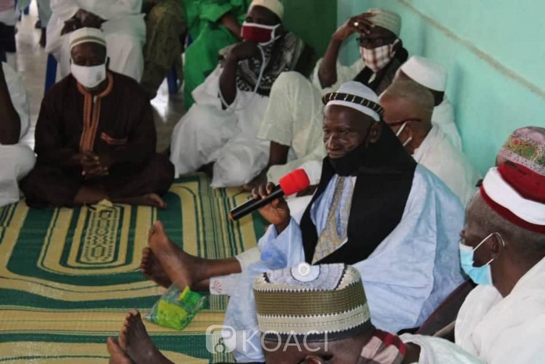 Côte d'Ivoire : A Dimbokro, en présence des ministres, des musulmans prient pour le repos de l'âme de Gon et pour des élections sans violences
