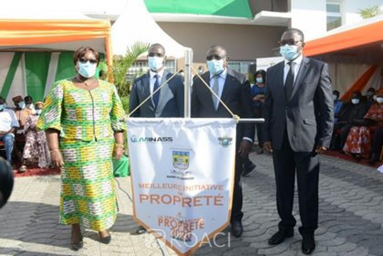 Côte d'Ivoire : Lutte contre l'insalubrité, le Gouvernement décerne le prix d'excellence de la « Meilleure initiative de propreté » au maire Bacongo