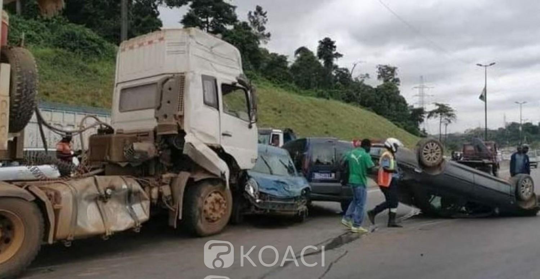 Côte d'Ivoire : Grave accident sur l'autoroute du Nord dans le sens de Yopougon-Adjamé, le calvaire des usagers