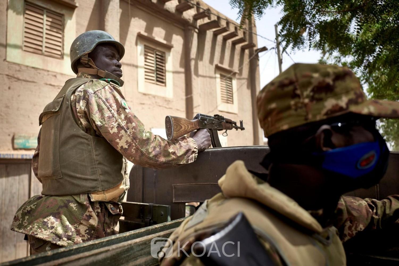 Mali : Tirs de soldats en colère dans le grand camp militaire de Kati