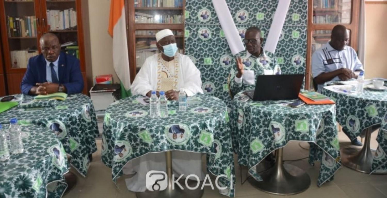 Côte d'Ivoire: Présidentielle du 31 octobre, le ministre Gnamien Yao lance un pagne pour « servir de trait d'union entre tous ceux qui ont foi au candidat du PDCI»