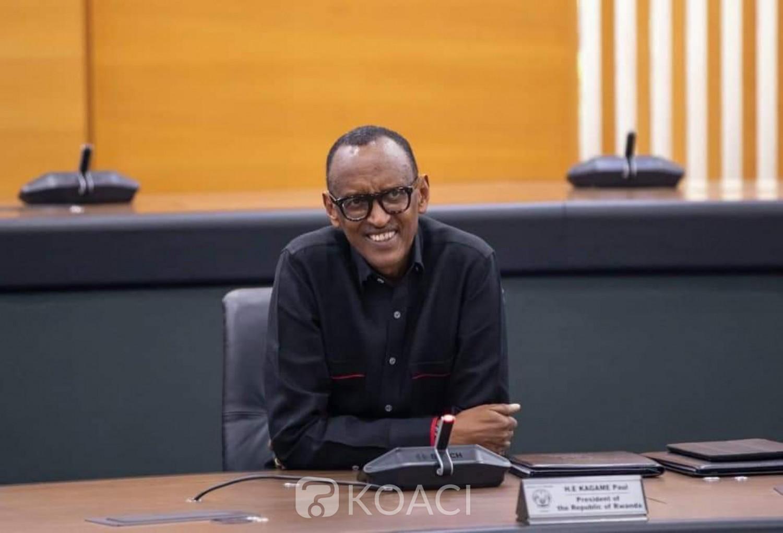 Rwanda: Annoncé «mort»,Paul Kagamé  apparaît souriant  à un conseil de ministres