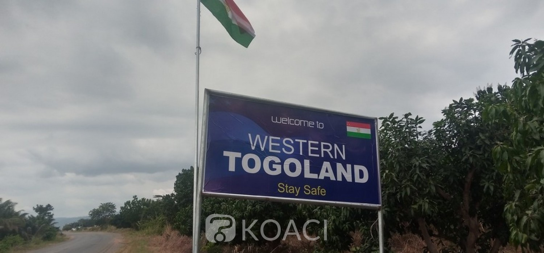 Ghana :  Apparition et démolition de panneaux d'accueil du Togoland à l'Est