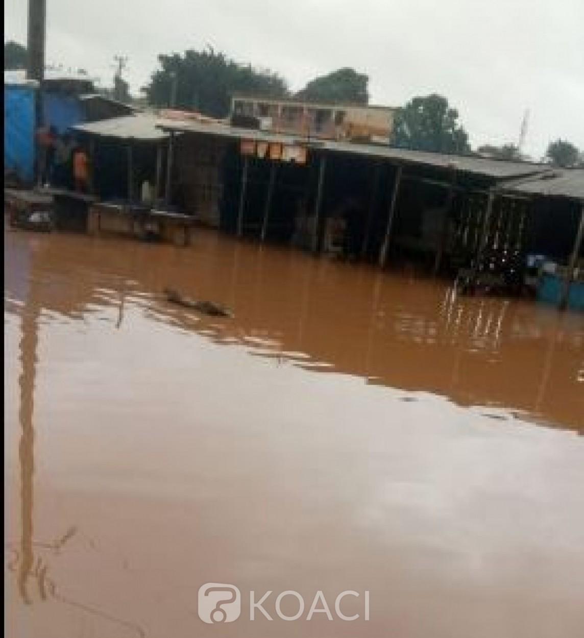 Côte d'Ivoire : Duékoué,  des pluies  diluviennes  provoquent la crue de la rivière sacrée le Guémon, de nombreux dégâts matériels signalés