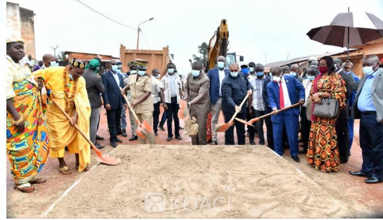 Côte d'Ivoire : Les travaux du bitumage des voies à Lakota et Zikisso lancés