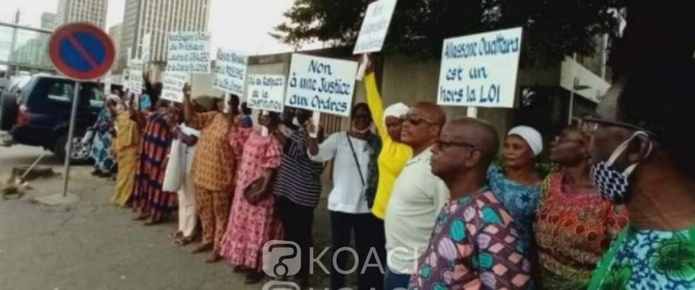 Côte d'Ivoire : Des femmes de EDS brandissent des pancartes au Plateau, Koné Mamadou invité à dire le droit rien que le droit