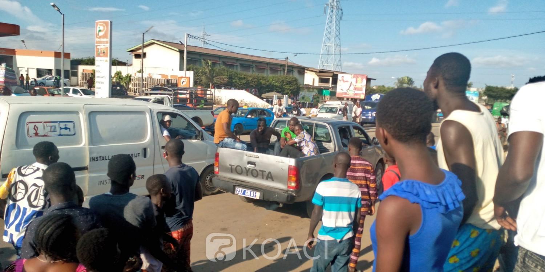 Côte d'Ivoire : À Yopougon, dans un taxi, ils essaient d'arracher le sac à main d'une dame et manquent de peu un lynchage