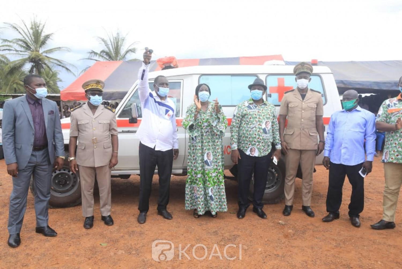 Côte d'Ivoire :    Moronou, Kandia fait don d'une ambulance médicalisée à Anoumaba et réhabilite l'école primaire de la ville