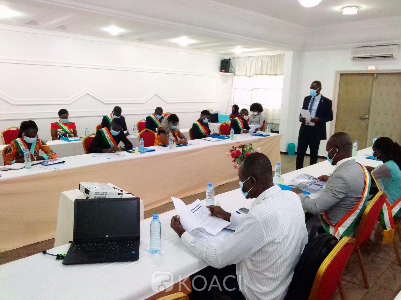 Côte d'Ivoire : Yamoussoukro, prévention et gestion des violences en période électorale, journalistes et jeunes parlementaires à l'école d'une fondation