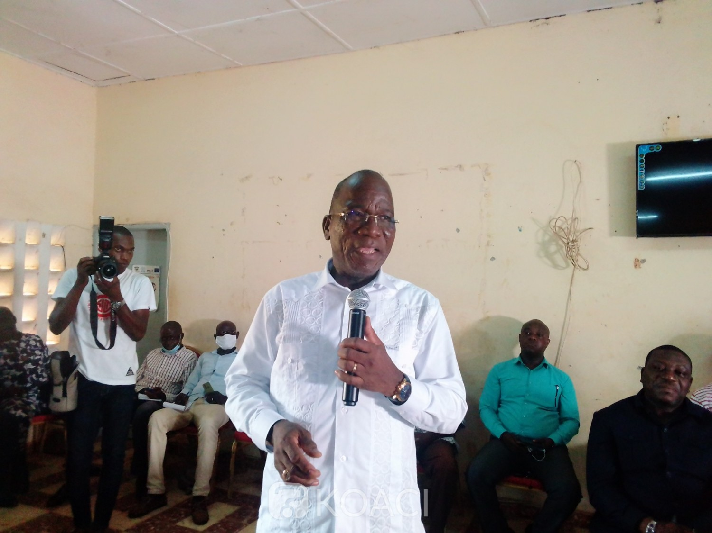 Côte d'Ivoire : Botro, après avoir offert un préau à une mosquée, le DG du trésor fait une mise au point avec les jeunes du RHDP