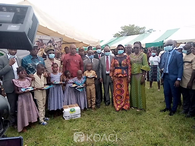 Côte d'Ivoire : Bodokro, pour aider les enfants, 65 écoles bénéficient de 11500 de kits scolaires et 200 tables-bancs