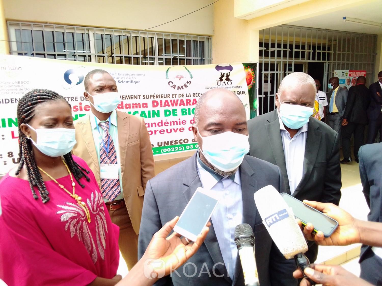 Côte d'Ivoire : Bouaké, pour soigner des patients testés positifs au Covid-19, Lazare Poamé, président de l'UAO: « La chaire a permis de trouver des produits efficaces...»