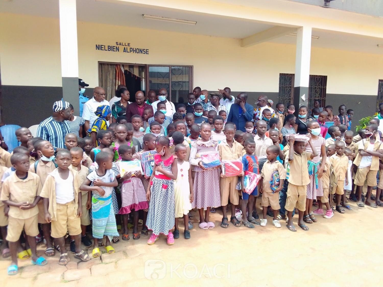 Côte d'Ivoire : Katiola, dans des situations difficiles, 200 écoliers reçoivent gratuitement des kits scolaires