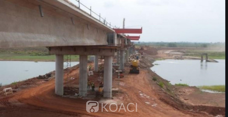 Côte d'Ivoire : Un 4x4 et ses trois passagers chutent dans la lagune sur le chantier du 4e pont
