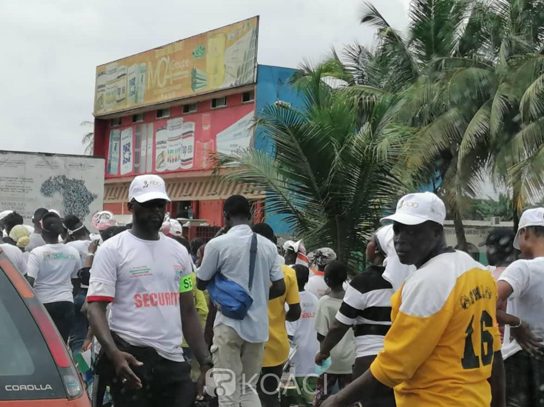 Côte d'Ivoire :    Abobo, campagne présidentielle, les partisans de Ouattara envahissent certaines rues de la commune