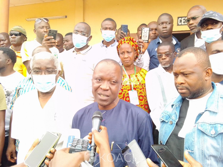 Côte d'Ivoire : Bouaké, partis accomplir leur devoir civique, les électeurs prennent d'assaut les bureaux de vote