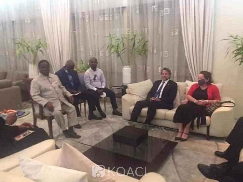 Côte d'Ivoire : Alors que l'infox fait cas de son possible transfèrement à Korhogo, Bédié à son domicile de Cocody reçoit les ambassadeurs  de l'UE, la Grande-Bretagne, la France et des USA