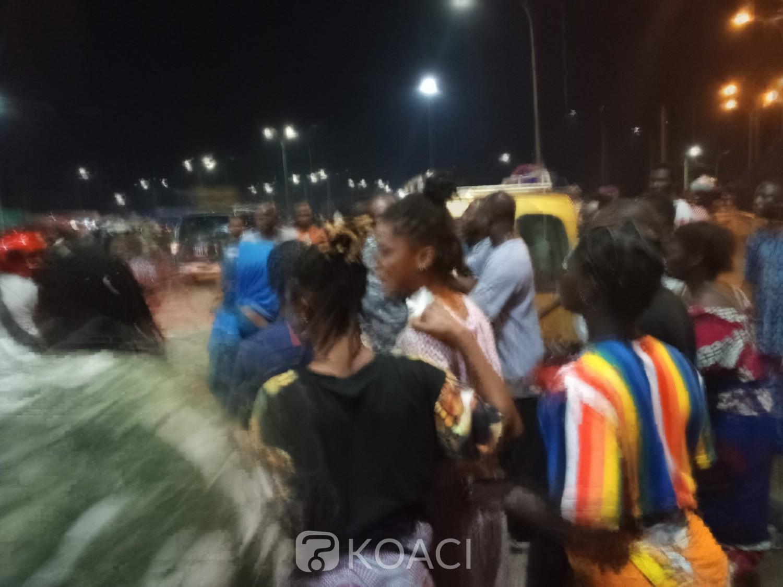 Côte d'Ivoire : Incivisme,  un individu saisi un élément de la police aux collets au feu de la mairie d'Abobo