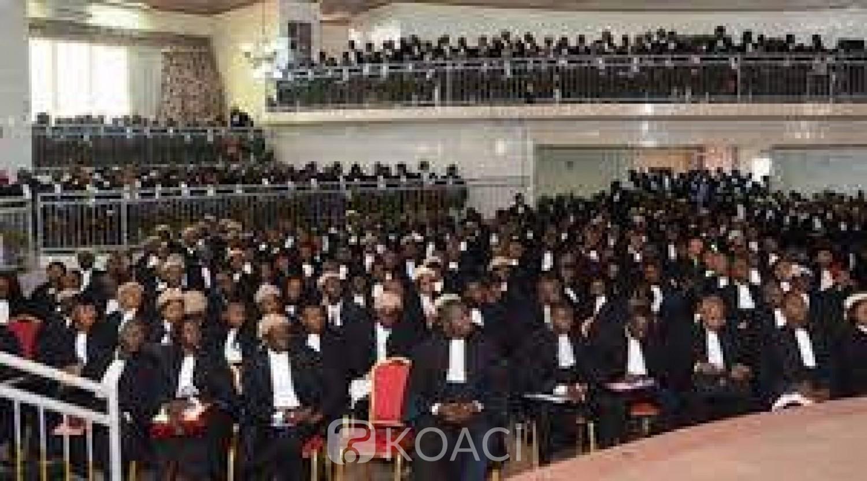 Cameroun : Le barreau des avocats annonce une suspension du port de robe pour dénoncer les violences policières