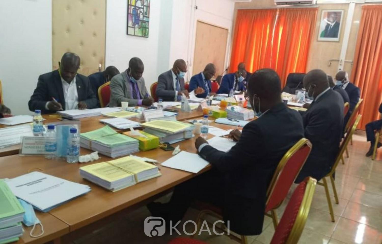 Côte d'Ivoire : Enseignement Supérieur, des bourses vont être attribuées aux étudiants des Universités et grandes écoles publiques ainsi que des grandes écoles privées