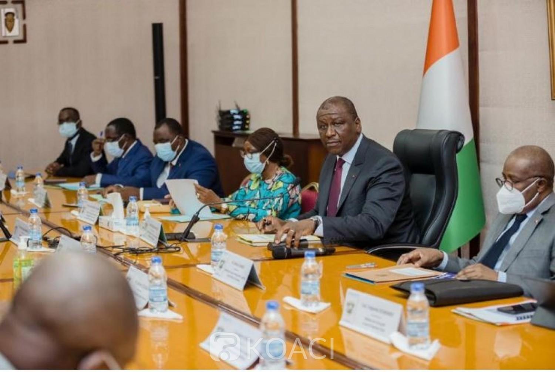 Côte d'Ivoire : L'insertion des jeunes diplômés préoccupe le Gouvernement
